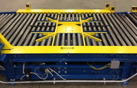 Alba Manufacturing - Plastic Pallet Conveyance